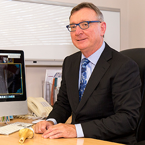 Photograph of Associate Professor Kon Kozak, Orthopaedic Surgeon